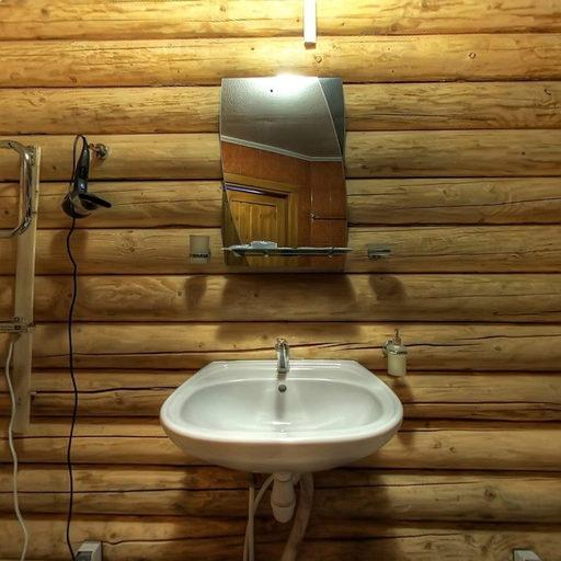 Український будиночок, WC