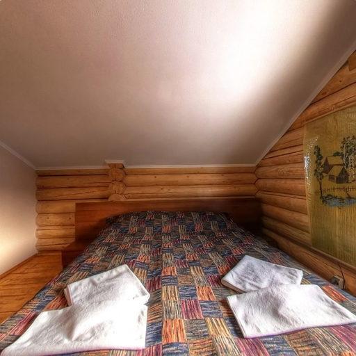 Український будиночок, спальня