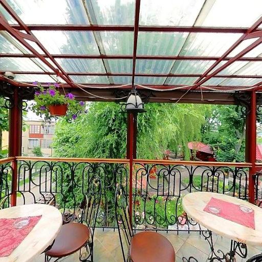 Тераса ресторану «На Озері»