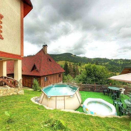 Літній дворик, басейн