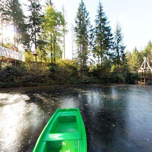 Біля озерця. Початок жовтня 2013