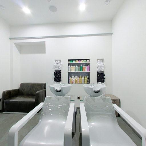 Зал перукарні