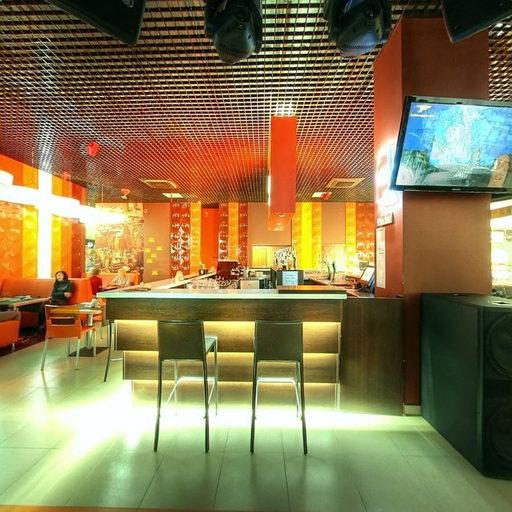 Диско-бар, ресторан